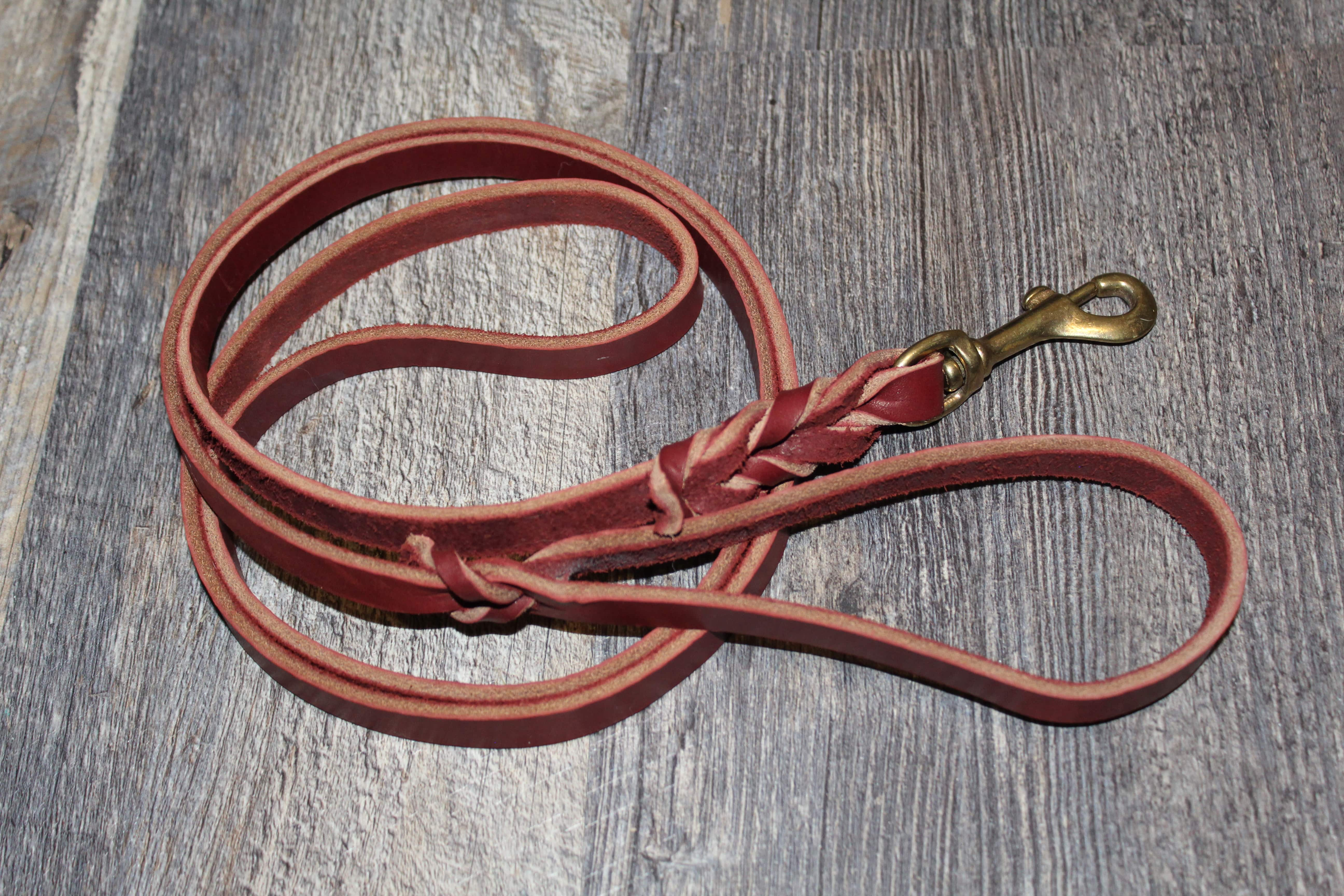 product image of a large leash for dogs